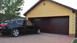 Slunce, déšť, sníh, krupobití - kvalitní garážová vrata vydrží vše