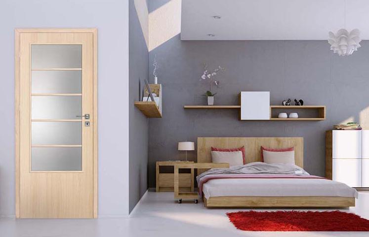 Výhody a nevýhody prosklených interiérových dveří