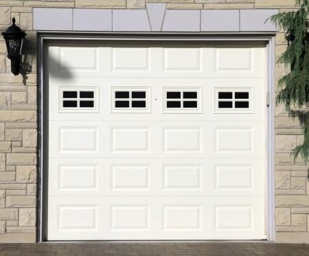 Není nad garážová vrata s opravdu tichým chodem