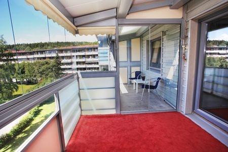 Zasklít balkón s rámem nebo bez rámu? Pro a proti